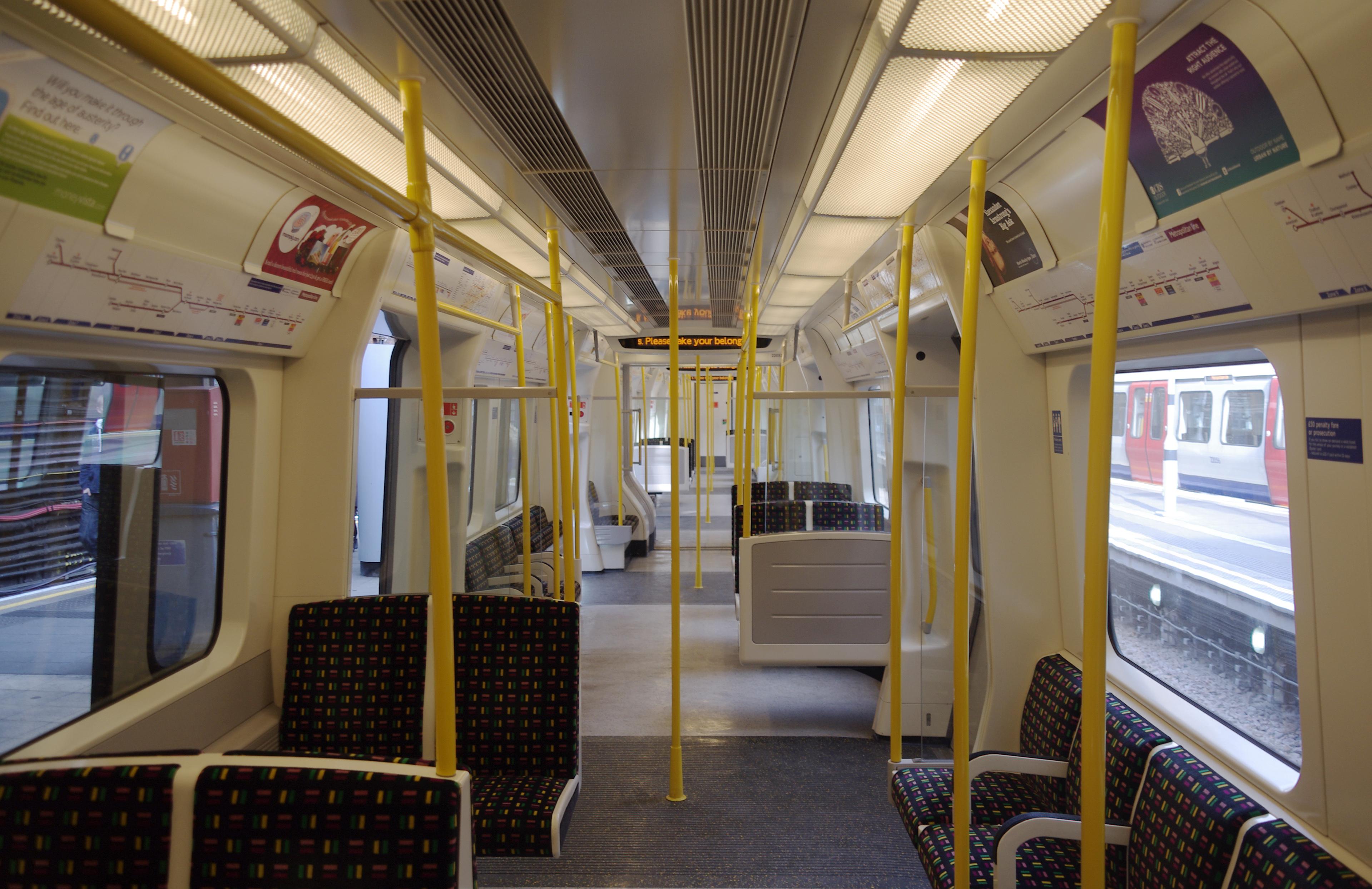 Baker_Street_tube_station_MMB_11